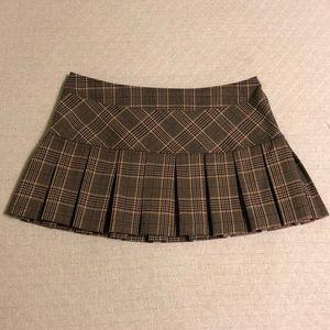 LIKE NEW Gadzooks Plaid Pleated Mini Skirt